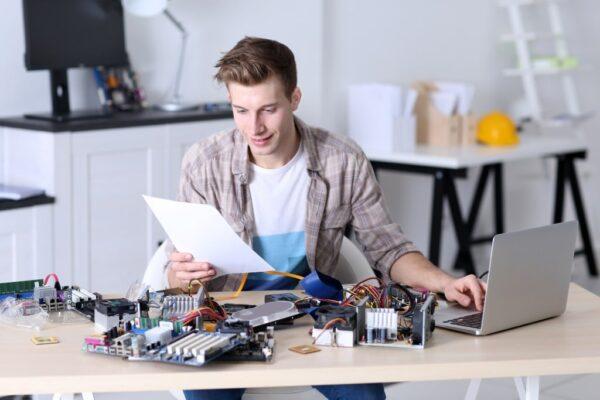 Pc repair desk
